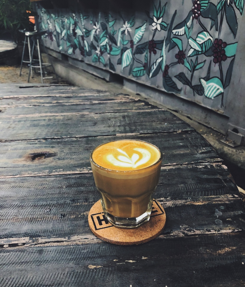 #shareyourkape #hustlecafe #sagadacoffee #sagadalatte