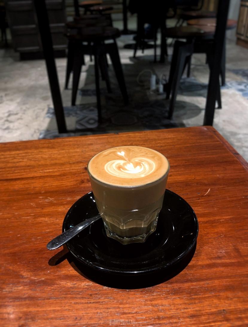 #satchmistoremegamall #shareyourkape #curatorsoffunctionalluxury #bestcoffeeinmegamall