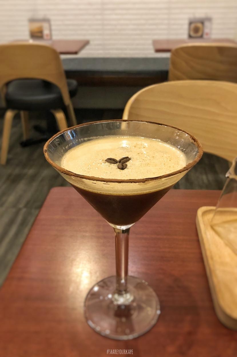 #shareyourkape #uggycafe #specialtycoffeeangono #uggycafeespressomartini #espressomartini