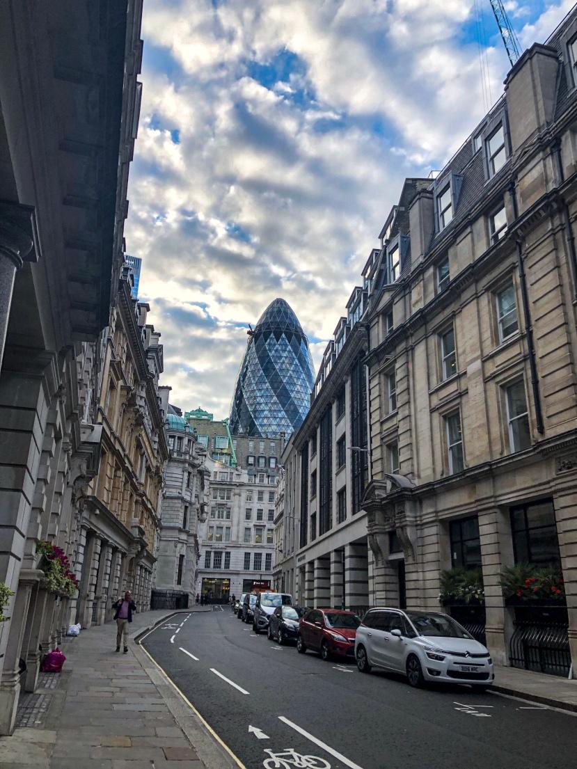 #shareyourkape #kapesalondon #thegherkin #londonarchitecture